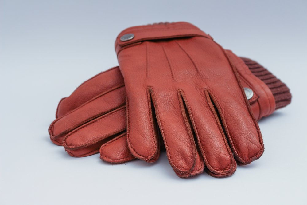 Handskar – de klassiska accessoarerna